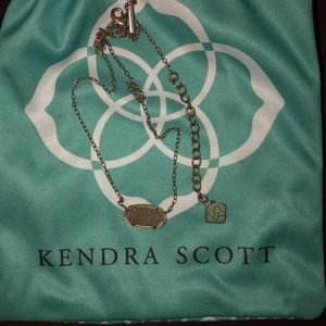 Gray Kendra Scott necklace!